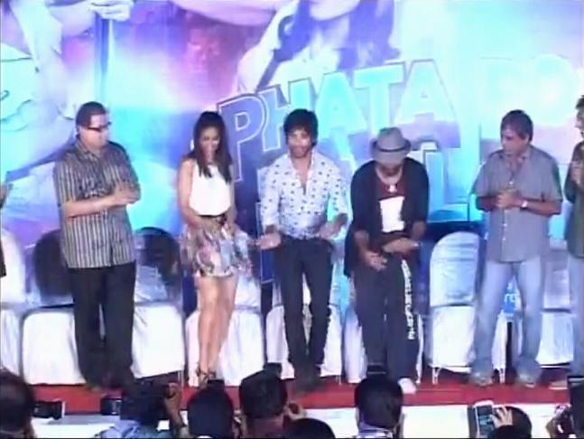 Shahid, Ileana promote Phata Poster Nikla Hero