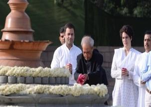 Sonia Gandhi, Rahul Gandhi, Priyanka Gandhi pay tributes to former PM Rajiv Gandhi